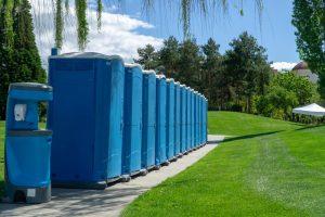 ou-placer-toilettes-mobiles-evenement-plein-air